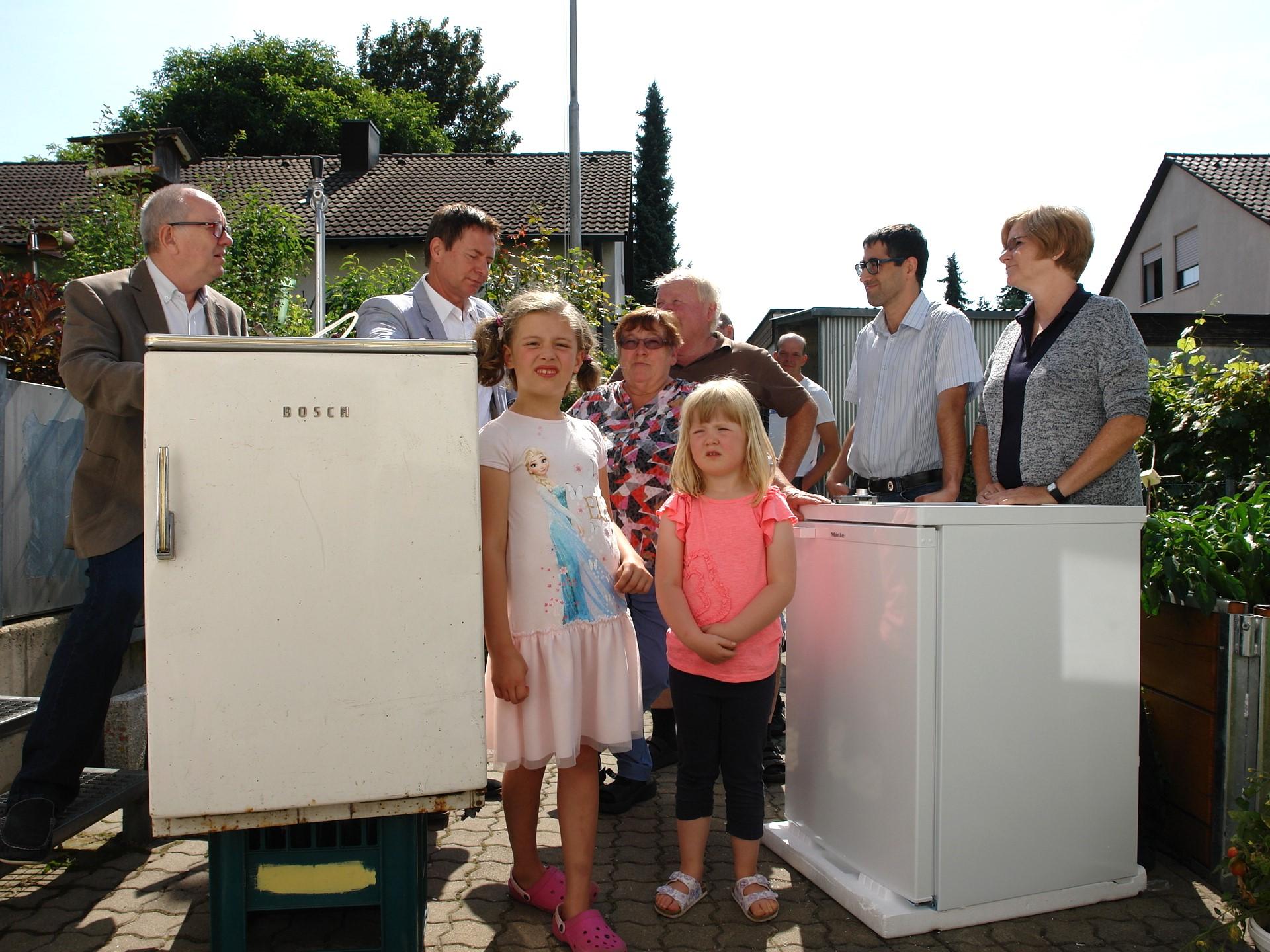 Bosch Kühlschrank Rot : Ältester kühlschrank bürgerhaus neumarkt
